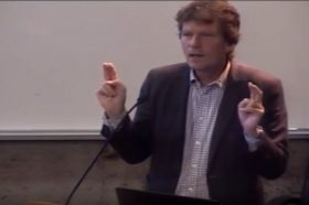 """[VIDEO] Conferencia Hartmut Rosa en FEN: """"Aceleración y resonancia"""""""